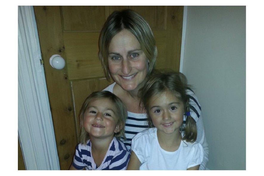 16.09.2014 – Liz and Sarah making headlines.