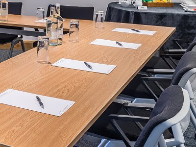 5 things to consider when hiring a Bristol meeting room
